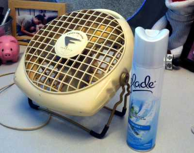 The fan-and-spray anti-stink setup.